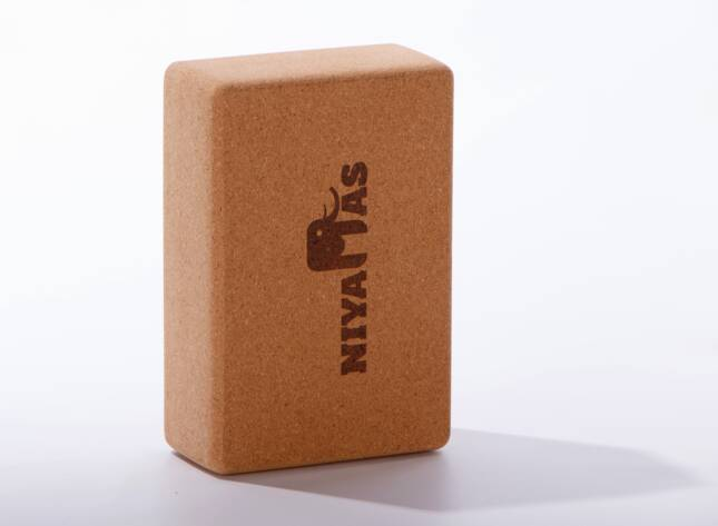 Τουβλάκι Γιόγκα Yoga-Block-Niyamas-Cork
